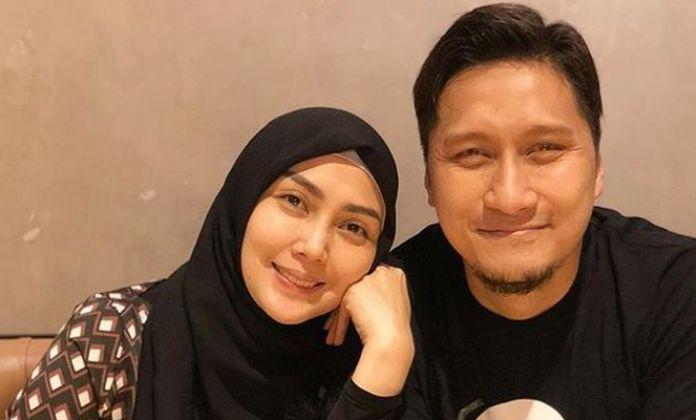 Awal Berhijrah, Arie Untung dan Sang Istri Nyaris Berpisah