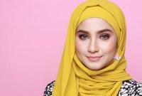 5 Warna Hijab yang Akan Membuat Kulit Wajah Terlihat Kusam