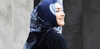 8 Tips Merawat Hijab Berbahan Voal Agar Tak Mudah Rusak