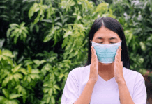 9 Kesalahan Memakai Masker yang Sering Dilakukan dan Memiliki Efek Membahayakan!