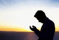 Pemuda AS Putuskan Menjadi Mualaf dan Dibimbing Oleh Imam Besar Masjidil Haram