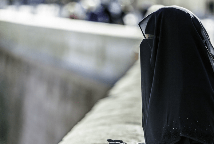 Antara Pademi dan Perubahan Sikap Warga Inggris pada Muslimah Bercadar