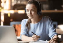 6 Tips Memakai Earphone Agar Tak Mengganggu Kesehatan Telinga