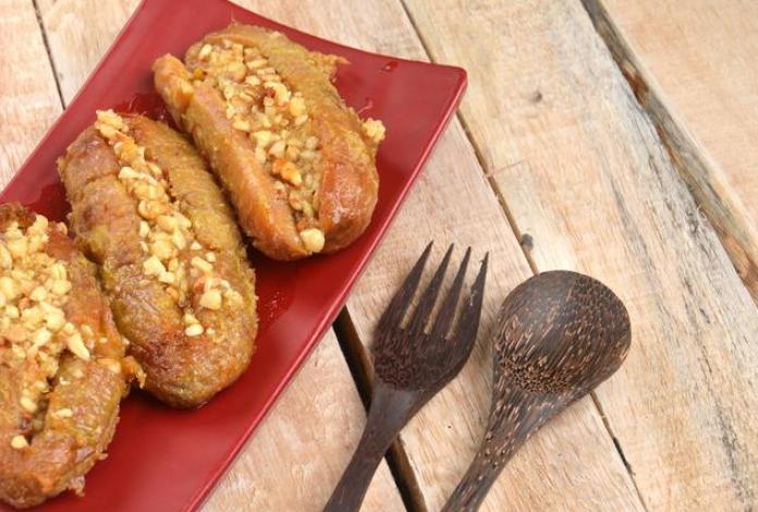 6 Makanan Khas Makassar Berbahan Dasar Pisang