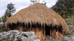 7 Jenis Rumah Adat Papua Beserta Filosofinya