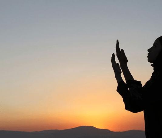 8 Keutamaan Bertobat Bagi Seorang Muslim, Jangan Ditunda!