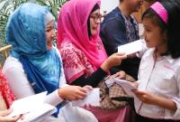 Jangan Ajarkan Anak Memiliki Jiwa 'Meminta-minta' di Hari Raya