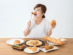 Aturan Makan 20 Menit, Apa Sih Dampak Akibat Makan Terlalu Cepat?