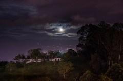 Hermosa noche desde las montañas de MEDELLIN