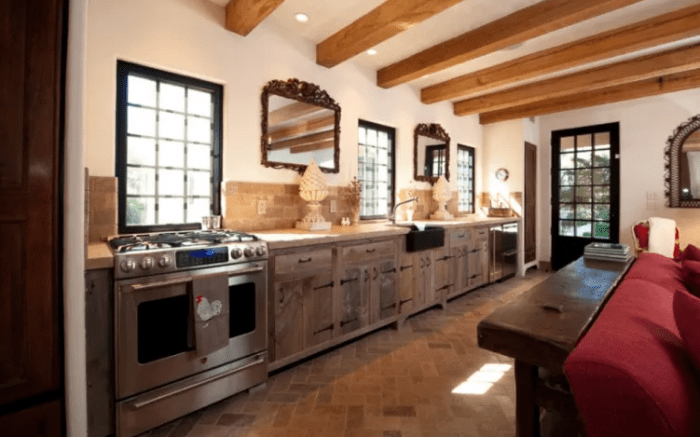 Add Accessories To Your Rustic Kitchen Cabinets