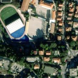 terrain de football toulon 83100