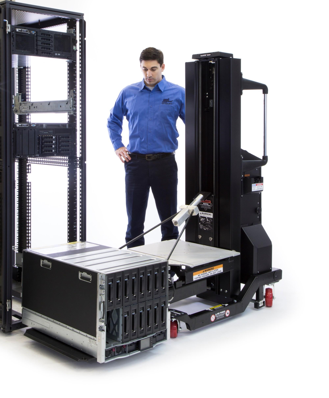 hight resolution of data center server install