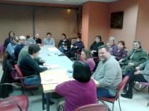 Javier y los participantes en la Tertulia