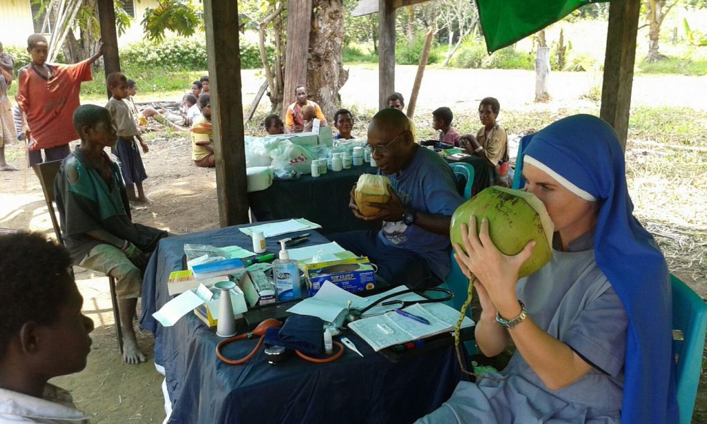 Las Servidoras (SSVM) SSVM in Papua New Guinea - visit to Moi Idam, in the Jungle