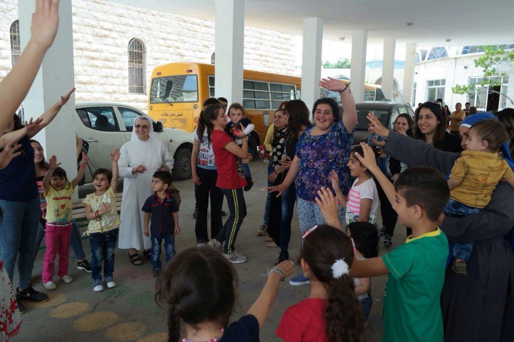 Servidoras - Festa delle famiglie in Giordania - famiglie irachene