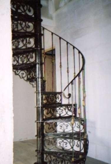 Escalier colimaon ANTIQUIT  ART  BROCANTES BROCANTE