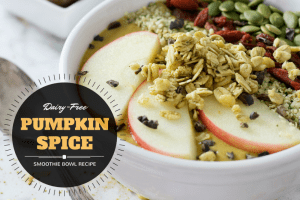 Easy and Delicious Pumpkin Pie Smoothie Bowl Recipe with apples, goji berries, granola, hemp seeds, and pumpkin seeds!