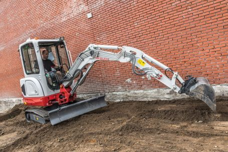 Takeuchi Add 2.5 Tonne to Excavator Range - SERV Plant Hire