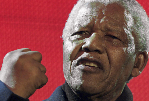 File photo of Nelson Mandela giving an animated speech during the South African democracy concert in London