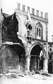 bologna palazzo del comune