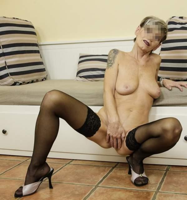 Donna cougar cerca toy bou a Potenza foto uno