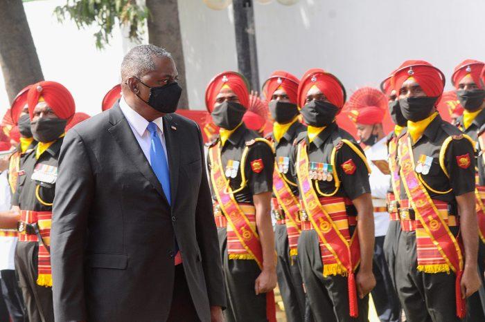 ABD Savunma Bakanı Austin Hindistan'a Ziyarette Bulundu