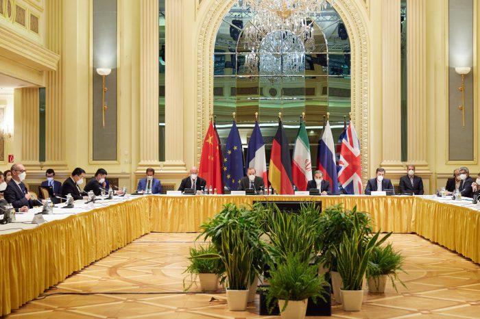 ABD ve İran Dolaylı Görüşmelere Devam Ediyor