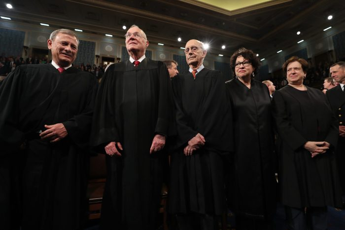 Demokratlardan Anayasa Mahkemesi Hakimine Emekli Ol Çağrısı