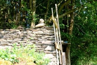 Wibrin - pierres sèches - jardinsFormation Murs en pièrre sèche - Juin 2014