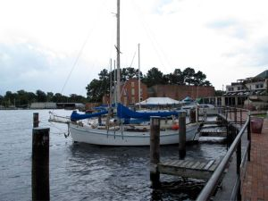 Idle Queen at the Elizabeth City docks