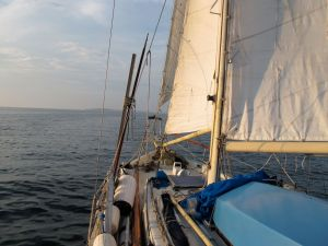 Dreadnought 32 Idle Queen sailing