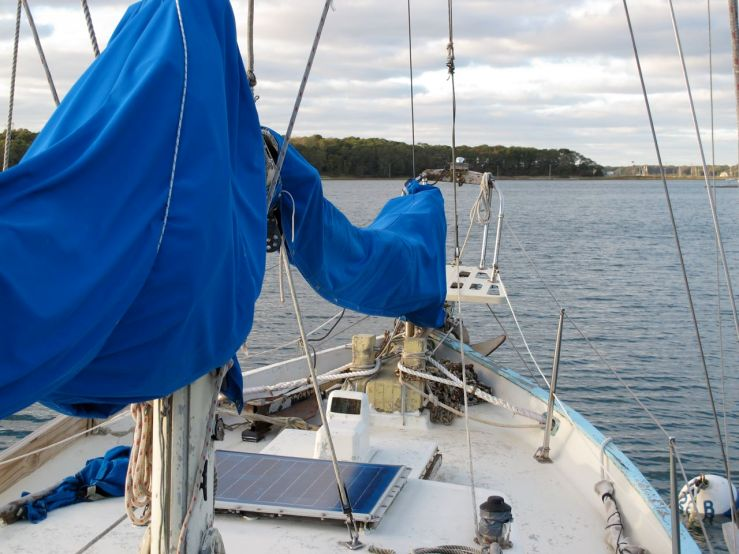 Dreadnought 32 Idle Queen foredeck