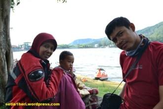 foto keluarga di sarangan