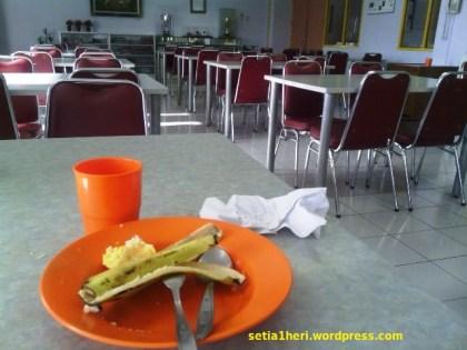 ruang makan AHTC