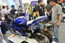 YZF-R6 striping biru