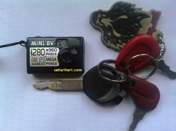 perbandingan mini dv dengan kunci motor