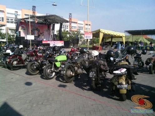 kopdar motor antik club indonesia di gresik 2014 (1)