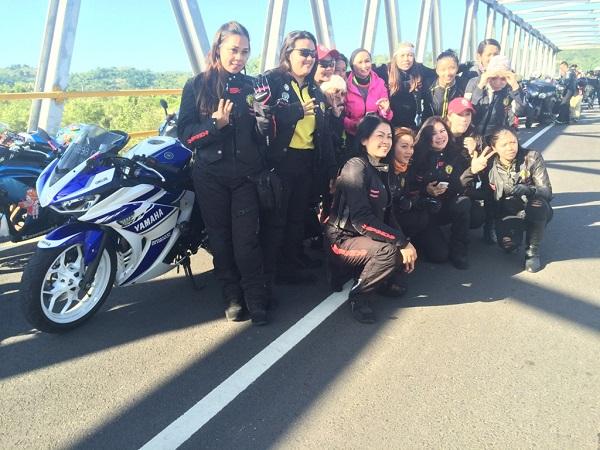 Tujuh Srikandi Women on Wheels Indonesia saat tiba di Lombok Nusa Tenggara Barat-