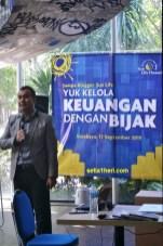 Alviko Ibnugrohoc dalam acara mengelola keuangan dengan bijak