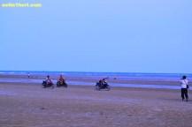 balapan liar di pasir pantai camplong