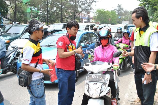 kampanye safety riding dalam balutan budaya betawi tahun 2015 oleh honda owner club (1)