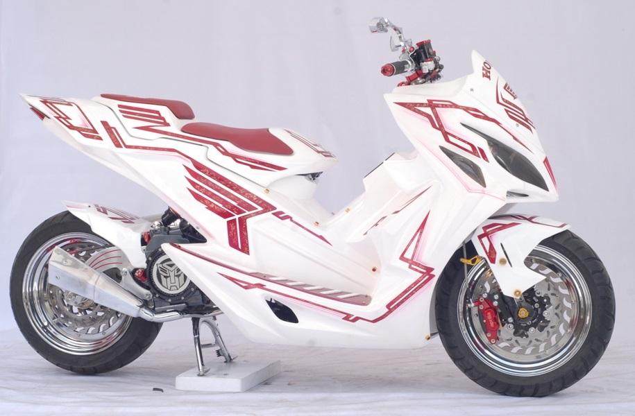 konsep modifikasi Supermoto untuk Vario 150 eSP kategori Matic National Champion