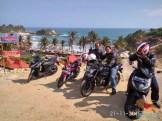 rombongan blogger mampir di pantai klayar