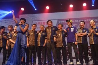 Valentino Rossi di Bali bersama petinggi Yamaha Motor jepang dan YIMM di Bali tahun 2016