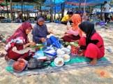 piknik ke pantai pasir putih remen jenu tuban tahun 2015 (10)