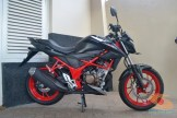 Honda All New CB150R warna livery hitam dan merah (7)