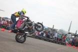 Aksi freestyle Wawan Tembong dengan Yamaha MT-25 dalam event Yamaha support HUT TNI AU ke-70 di Pangkalan Lanud Halim Perdanakusuma (7)