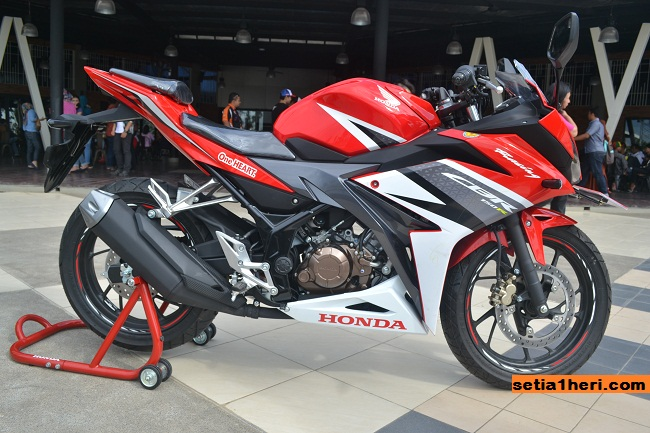 All New CBR150R Racing Red livery 2016 keren