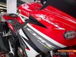 cbr150r tahun 2016 warna merah racing