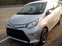 Toyota Calya warna silver tahun 2016 (2)
